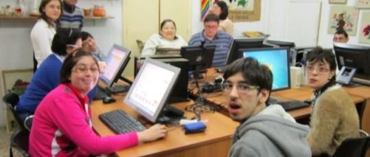foto di gruppo Centro Occupazionale portatori di handicap