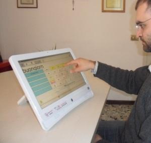 FABULA All-in-one: tastiera per disabili con predizione